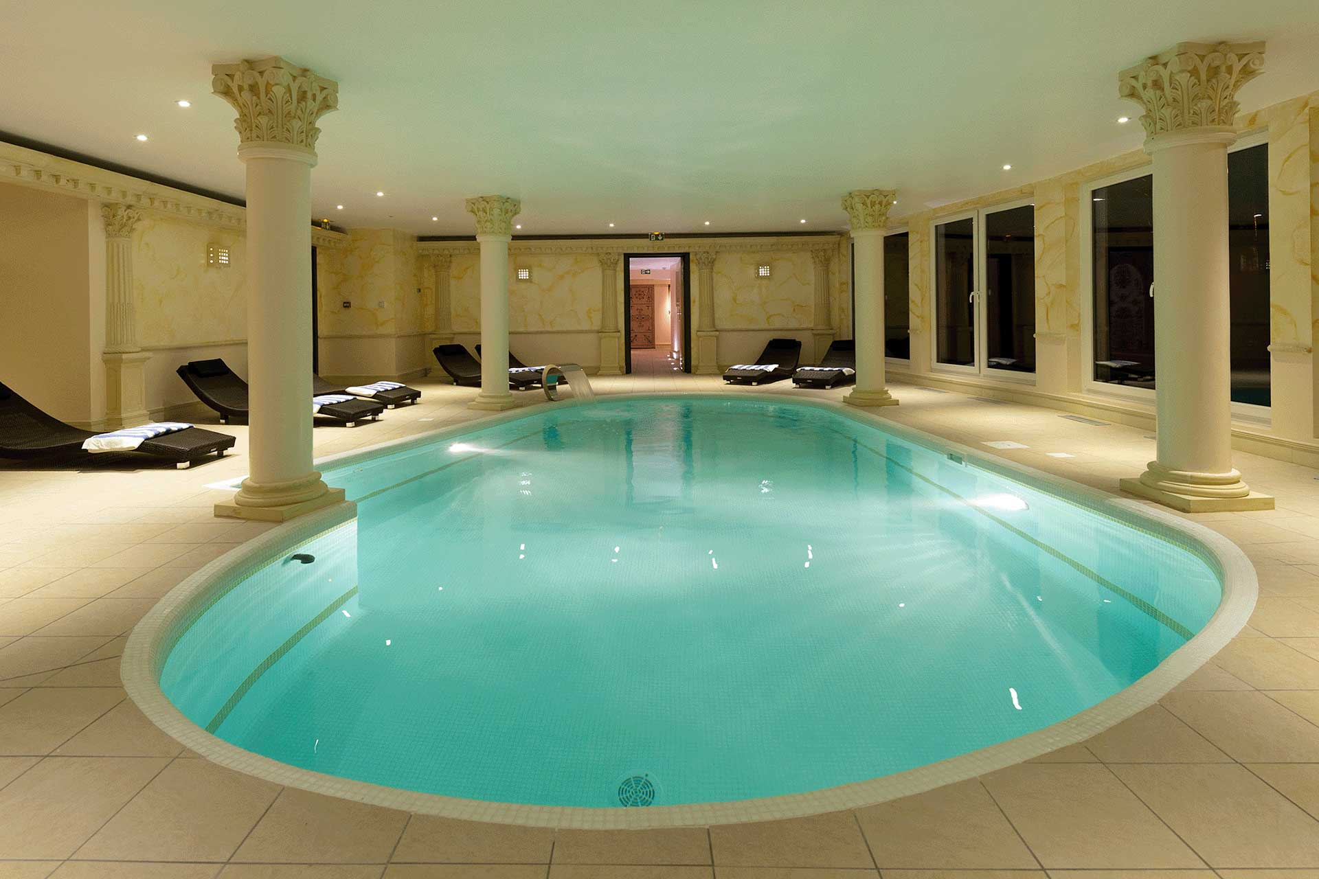 Spa hotel et wellness en alsace grotte a sel piscine hammam for Tarif piscine enterree